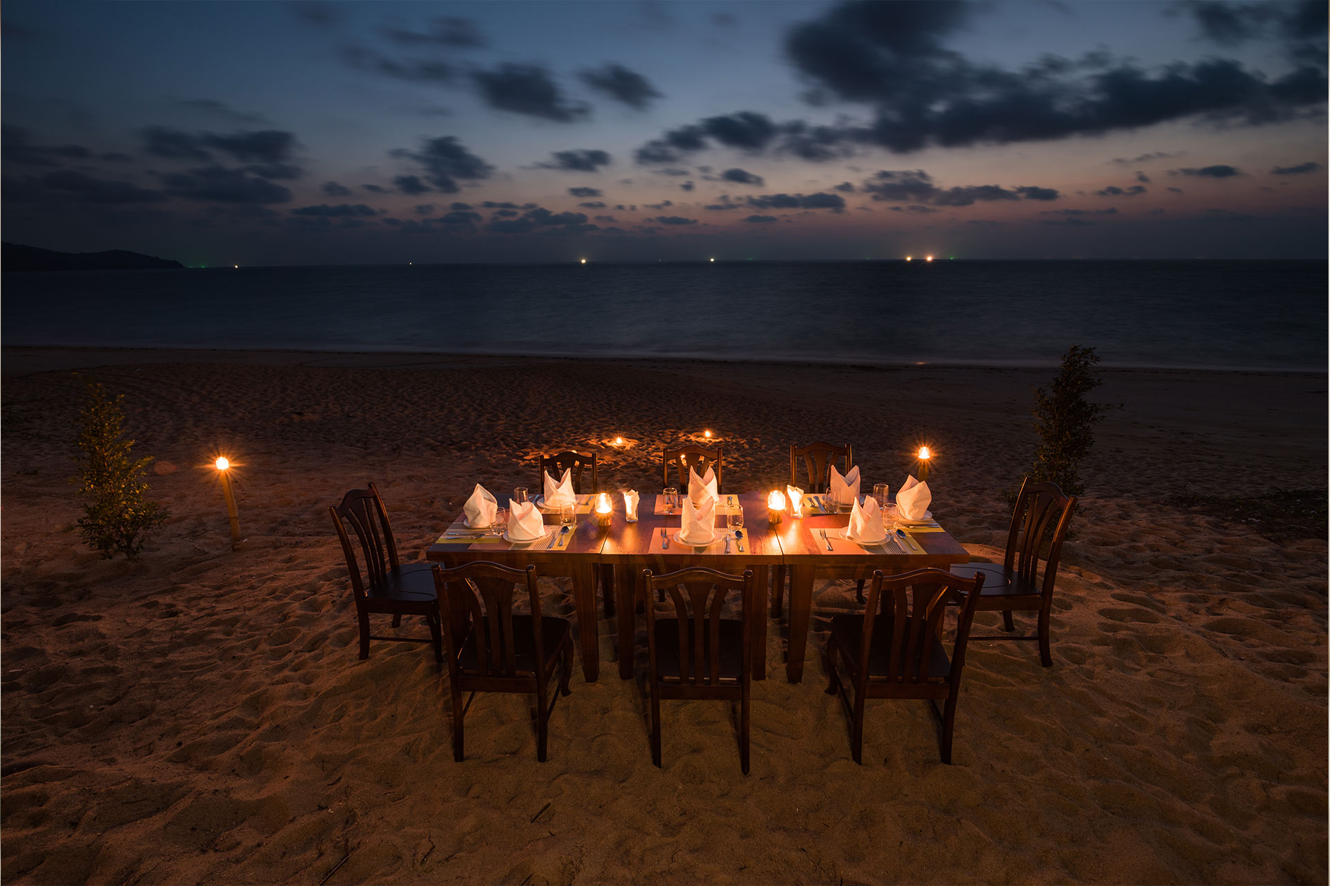 beach-casual-wedding-tips