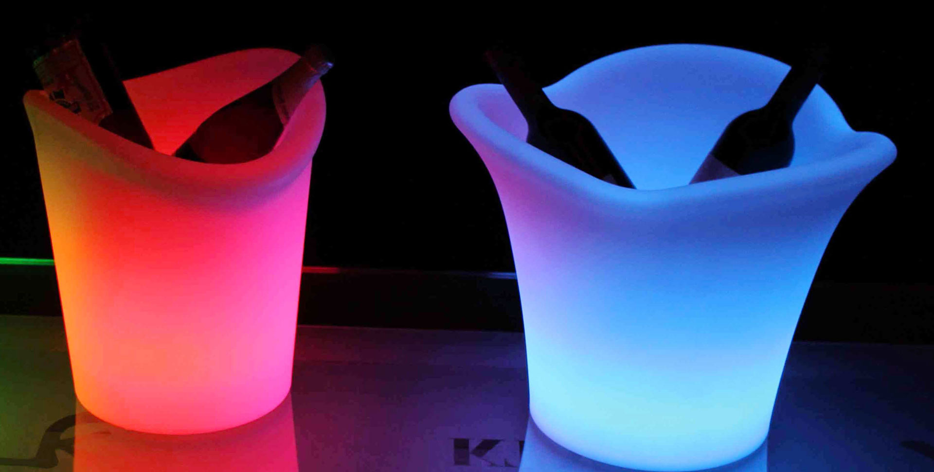 illuminate-your-event-with-led-furniture-table-led-accessories-hire
