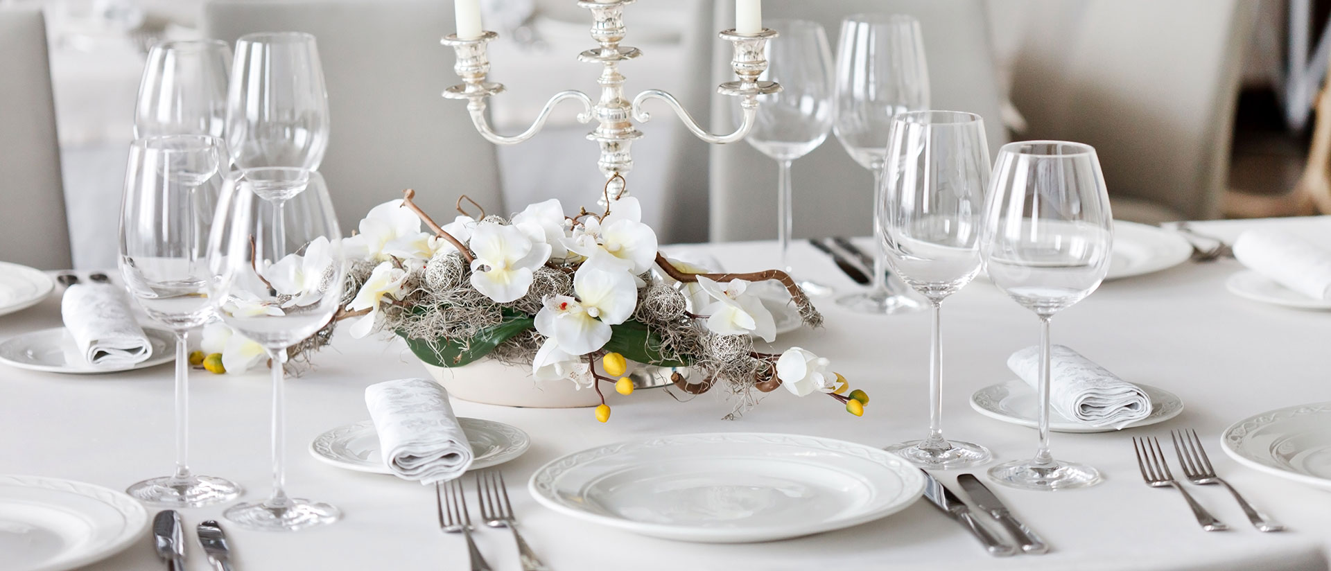 hosting-the-perfect-banquet-dressing-the-tables