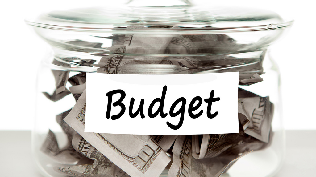 woman-make-the-best-event-planners-ability-to-budget