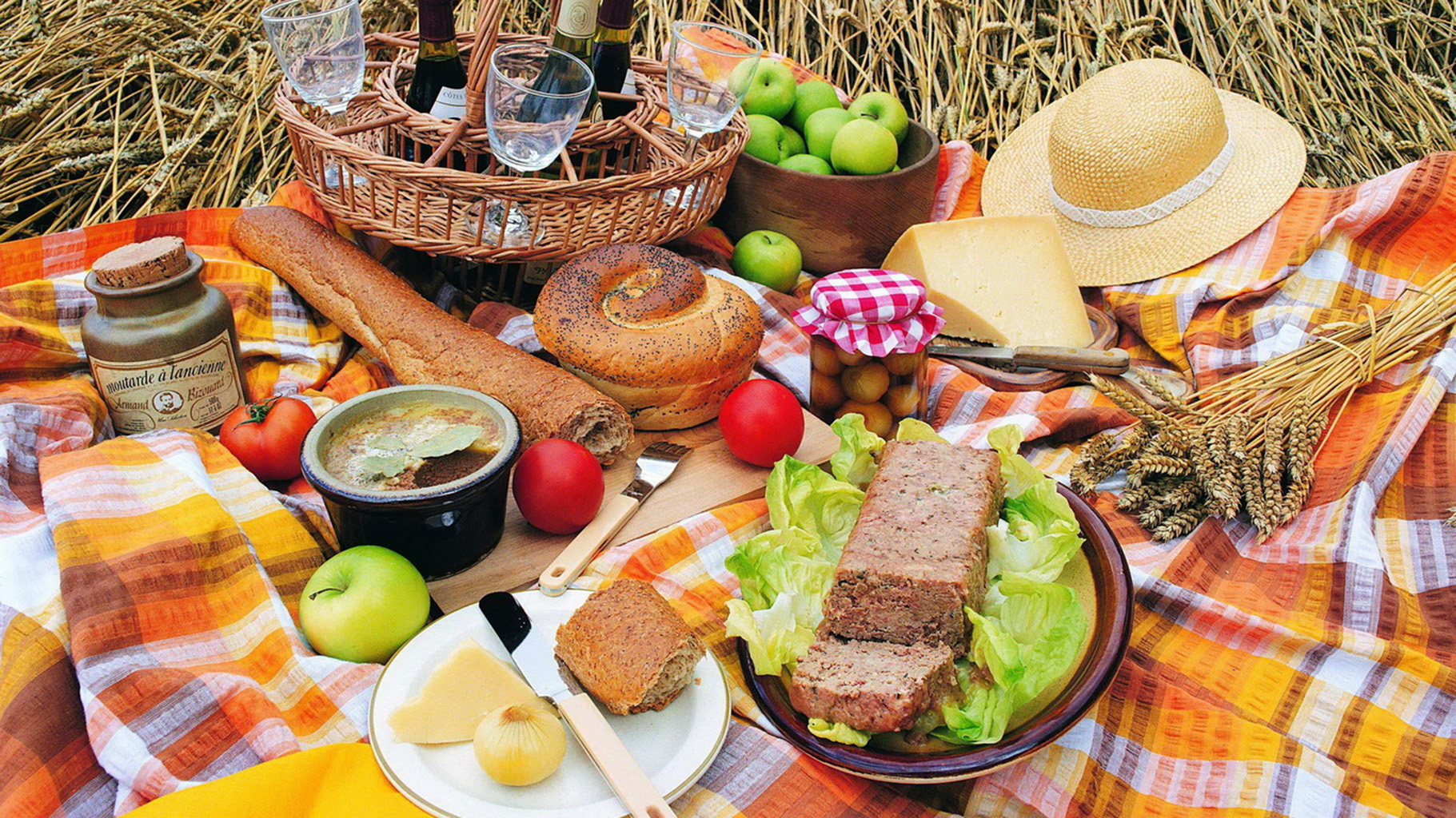 picnic food foods drink picnics summer park piknik asian pairings picknicken snack table tips checklist bring fun picknick cooking tables